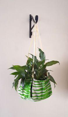 plant hanger 2